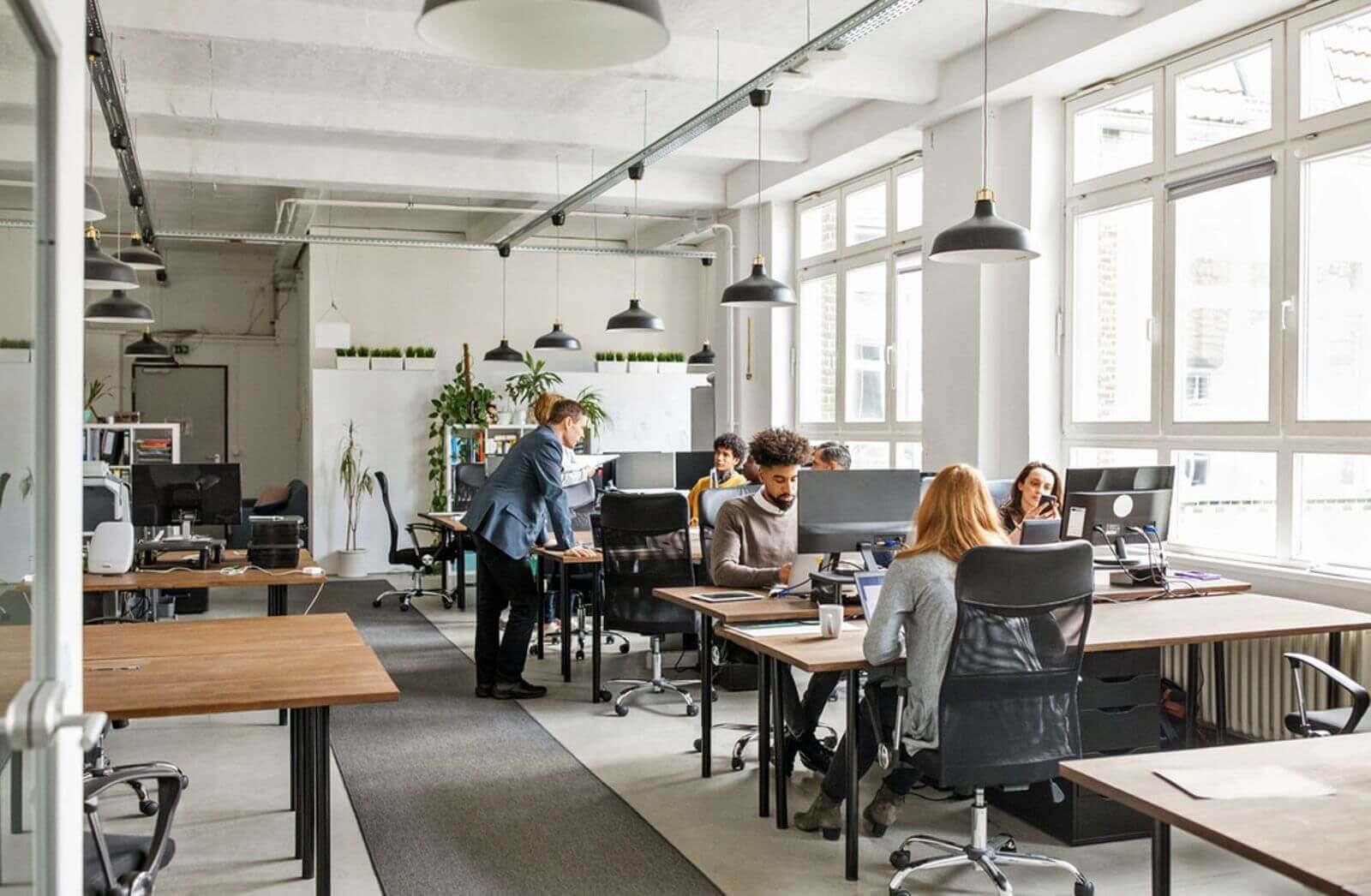 5 sinais de que é hora de trocar os móveis do escritório