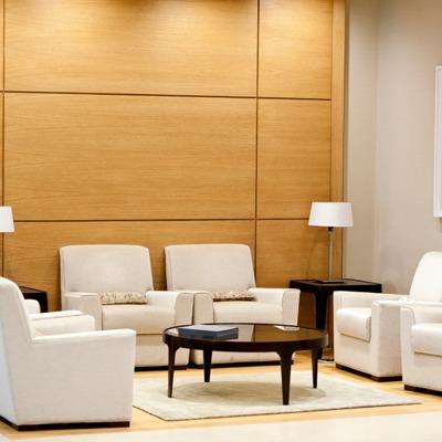 Sala de recepção: 5 dicas para escolher os móveis corretos para sua empresa