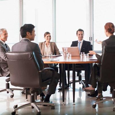 Qual a altura ideal da mesa para escritório?